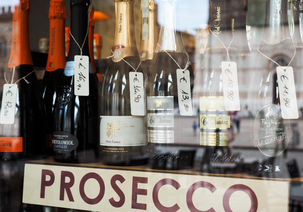 Prosecco wijn kopen in een wijnwinkel